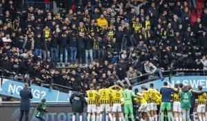 فيديو مرعب لسقوط جزء من مدرج أحد ملاعب الدوري الهولندي