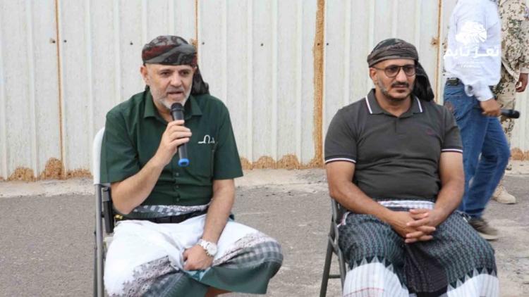 بالفيديو: محافظ تعز من المخا: عدونا الأول هو الحوثي وطارق صالح شريكنا