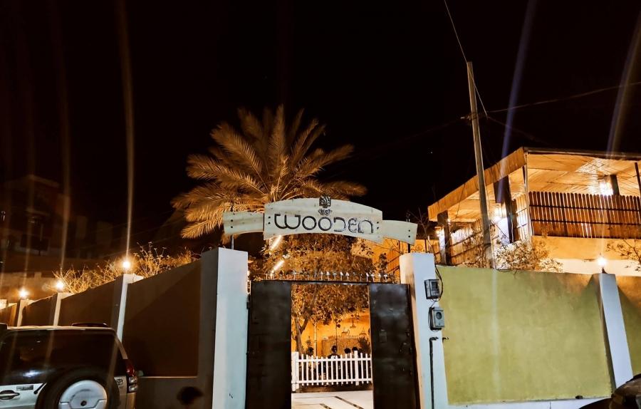 شاهد: شباب تعز يتحدون الحرب والحصار ويصنعون الحياة بافتتاح مقهى عصري