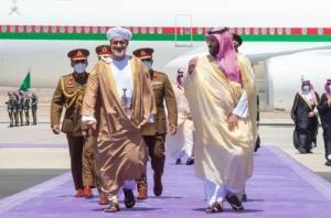 مجلة أمريكية تكشف محاولات السعودية للخروج من حرب اليمن بوساطة عمانية