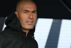 زيدان يفكر ترك ريال مدريد نهاية هذا الموسم