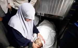 بالفيديو: خنساء غزة تودع ابنها الثالث وتهتف بالفداء للأقصى