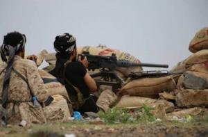 الجيش الوطني يطهر المواقع التي حررها شرق تعز
