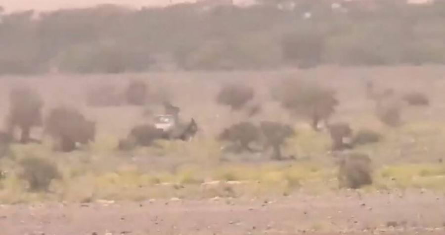#شاهد: لحظة تدمير الجيش آلية عسكرية للحوثيين في معارك #مأرب