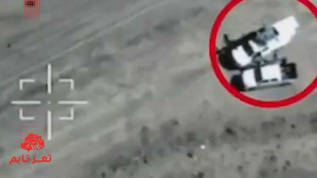 قتلو قبل إقلاع الطائرة.. لحظة استهداف حوثيون وهم يجهزون مسيرة مفخخة