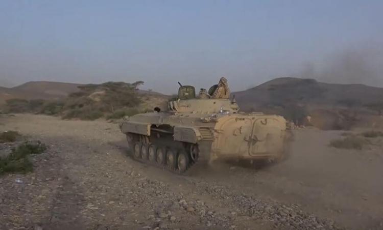مشاهد تدمير لجيش اليمني تحصينات الحوثيين في صرواح غرب مأرب