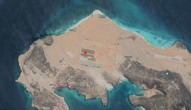 شاهد: الإمارات تستكمل إنشاء مدرج طائرات ضمن قاعدة عسكرية لها في جزيرة ميون اليمنية