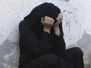 قيادي حوثي يصف اغتصاب النساء في السجون بأنه أفضل الأعمال