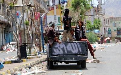 تعز: حرب شوارع في القصر الجمهوري واستهداف مستشفى الثورة